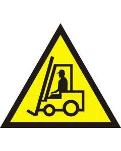 Uwaga praca wózka widłowego